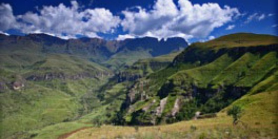 GUIDED OVERNIGHT HIKE IN DRAKENSBERG